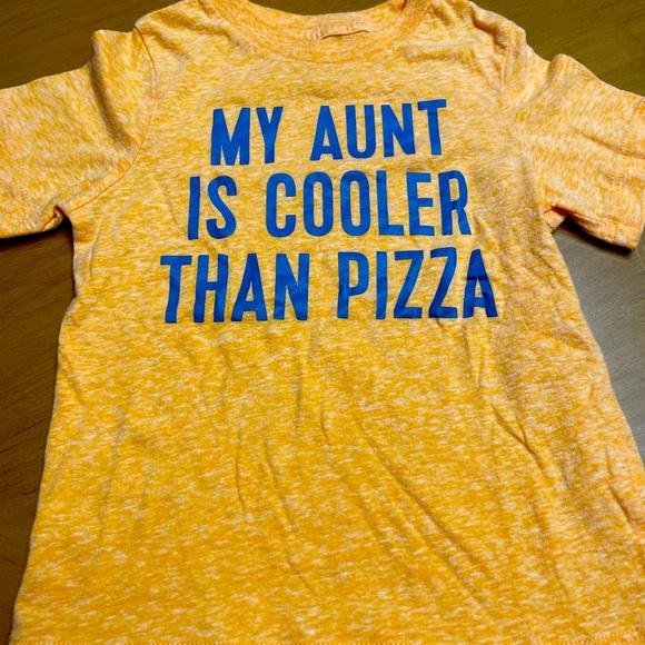 Short sleeve T-shirt size 2T.
